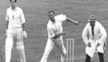 Richie Benaud: Australia cricket legend & commentator dies at 84