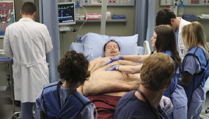 Firefighters spend hours to get 700-pound man to hospital in New York