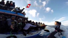 Hundreds of migrants feared drowned off Libya