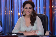 Madhuri Dixit launches contemporary dance festival \'Jugnee\' in Mumbai