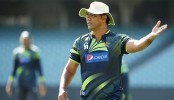 Waqar confident of beating England in upcoming Test series