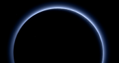 Probe captures Pluto's blue sky