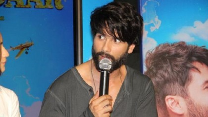 Insomniac Shahid Kapoor reveals 'secret' things he does at night