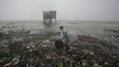 Typhoon Koppu weakens as it crosses the Philippines