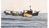 Pirates loot 12 fishing trawlers in Bay