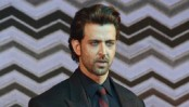 Hrithik Roshan causes fan frenzy in Jabalpur, locals injured