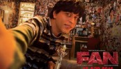 Fan's new poster has 'Gaurav' taking a selfie with SRK