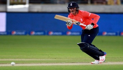 England wins 2nd T20 by 3 runs to clinch series vs Pakistan