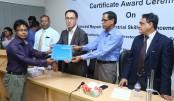 "Samsung awards certificates to ""ARISE"" graduates"