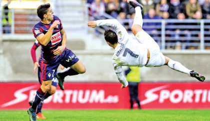 Bale, Ronaldo give stuttering Madrid relief