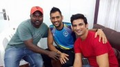 Dhoni visits 'MS Dhoni: The Untold Story' set