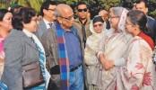 Hasina, Rehana greet Syed Shamsul Haque