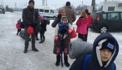 Migrants struggle in sub-zero temperatures