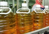 Retailers to reduce edible oil price by Tk 5 per litre: Tofail