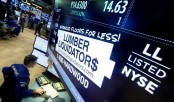 Global stock markets mostly lower as oil extends fall