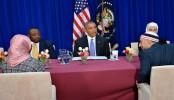 Obama decries anti-Muslim rhetoric on first mosque visit