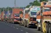 First time in 4 months, trucks from India cross into Nepal