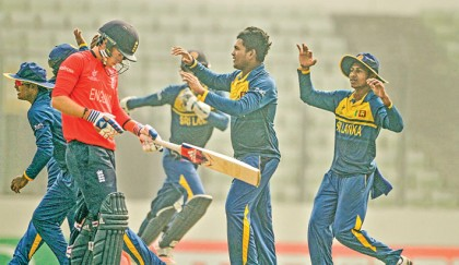 Sri Lanka set up India clash