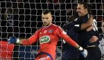 Ibrahimovic sends PSG into quarters