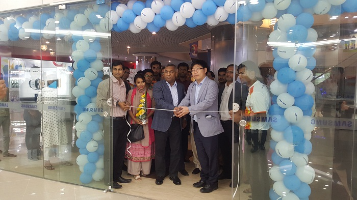 Samsung exclusive outlet now at Jamuna Future Park