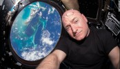 Astronaut ends year-long space trip