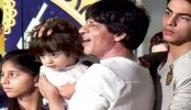 SRK to watch 'Batman v Superman' with children
