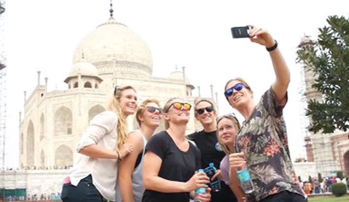 Aussie women's Taj Mahal trip before semi