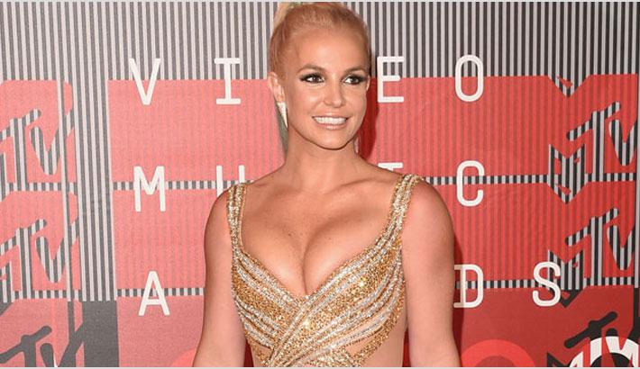 Britney Spears wants to date Leonardo DiCaprio