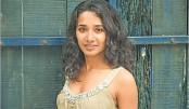 No disdain for commercial films: Tannishtha