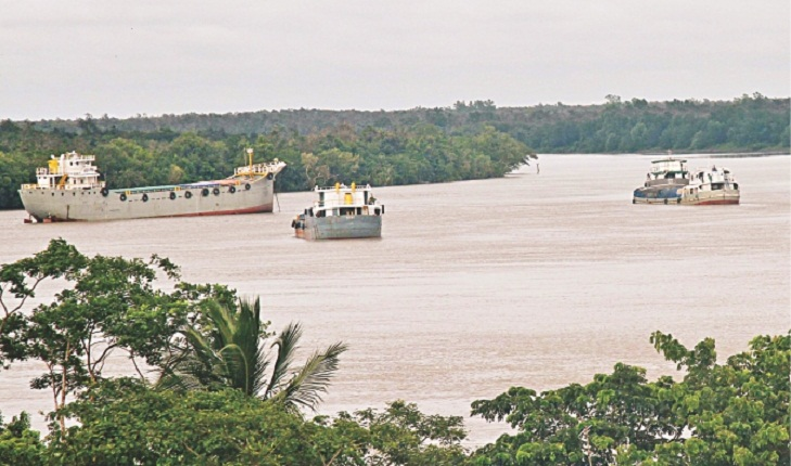 Reopening for plying vessels in Shela River demanded