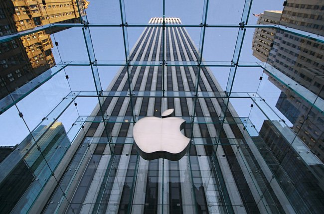 Apple hopes to get its books, movies back online in China