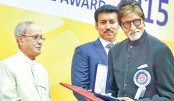 Amitabh honoured with Best Actor award