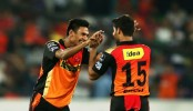 IPL: Mustafizur, Bhuvneshwar topple Gujarat in Hyderabad win