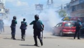 Jamaat-Shibir men clash cops, BCL in Chittagong, Rajshahi