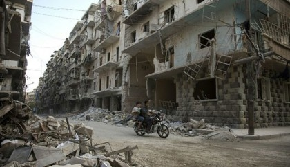 Truce ends in Syria's Aleppo as aid heads for besieged town