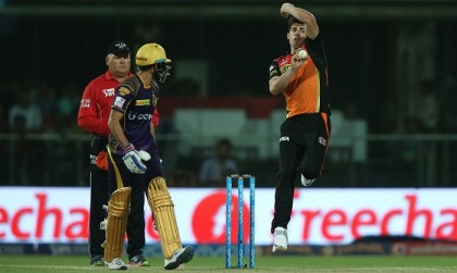 SRH beat KKR to stay in IPL race