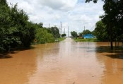 Floods in Texas, Kansas leave at least 6 dead, 2 missing