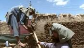 Afghan Taliban kidnap 27 passengers