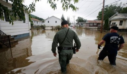 Hundreds rescued in deedly US flood