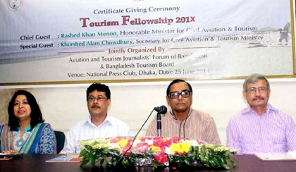 10 journalists awarded tourism fellowship