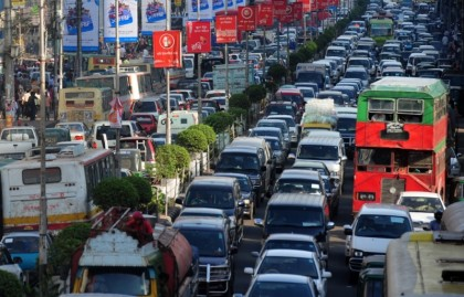 Mismanagement and lacking in planning behind traffic jam of Dhaka