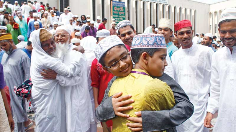 Eid-ul-Fitr being celebrated across the country | 2016-07-07