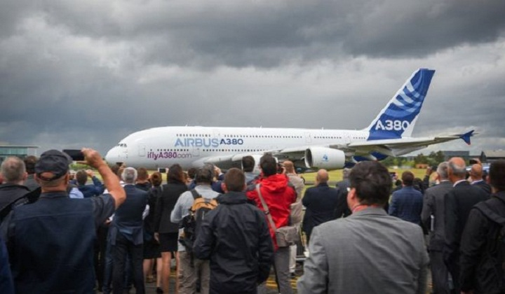 Airbus slashes delivery target for A380