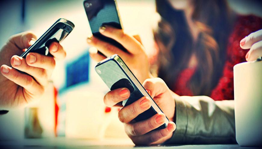 Mobile users decreased in June