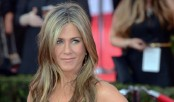 Empower women to go beyond beauty, selfies, says Aniston