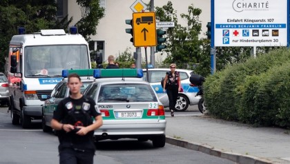 Berlin hospital shooting: Patient shoots and kills doctor before turning gun on himself