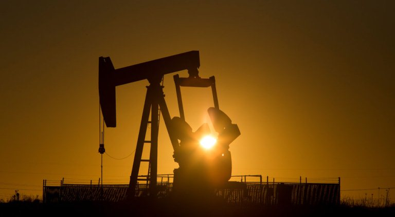 Oil prices remain near three-month lows