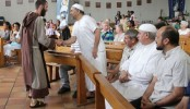 France Muslims attend Catholic Mass to mourn priest