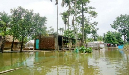 Woes for flood unbounded in 4 dists