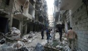 Syria Aleppo siege: Fighting rages as Russian jets strike